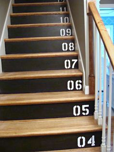 DIY: Chalkboard Stairs For the basement definitely Stairs In Kitchen, Chalkboard Decor, New York School, School Of Visual Arts, Painted Stairs, Stairway To Heaven, Stairways, My Dream Home, Home Projects