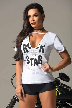 Women's Workout T-Shirts & Long Sleeve Shirts Long Tee Shirts, Long Sleeve Shirts, Gym Clothes Women, Womens Workout Outfits, Lifestyle Clothing, Workout Tank Tops, Cute Woman, Long Tops, Fit Women