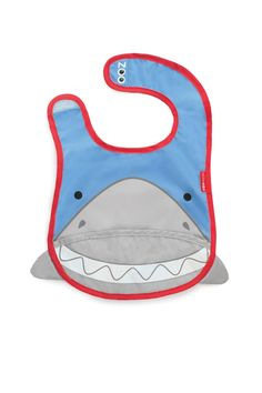 Zoo Bibs are lightweight and water-resistant with a handy catch-all pocket to keep things neat and tidy at mealtime. They also have a clever tuck-away pouch— perfect for travel or for storing when dir