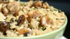· 2 inceleme · 40 dakika · Gluten free · 4 kişilik · An easy chicken and mushroom risotto. Feel free to jazz it up with some garlic and crushed chilli flakes if you like. Spinach Risotto, Chicken Risotto, Mushroom Risotto, Baked Chicken, Chicken Mushroom Recipes, Easy Chicken Recipes, Easy Risotto Recipes, Risotto Ideas, Mushrooms Recipes