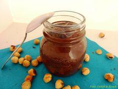 Tudtátok, hogy február 5-e a nutella világnapja? Bár volt már egy cukormentes nutellarecept a blogon, viszont most sikerült egy olyat készítenem, amiben még kevesebb a szénhidráttartalom, mint az előzőben,nincs benne semmi extra hozzávaló, és nagyon gyorsan készen van. Igen, ezt…