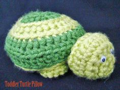 Toddler Turtle Pillow - Free Amigurumi Pattern here: http://www.craftown.com/Toddler-Turtle-Pillow.html