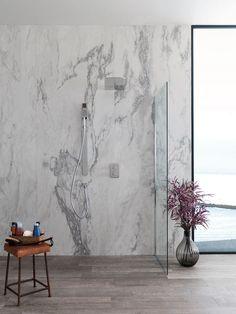 Combinaciones armoniosas, madera y la esencia del mármol en #baños.  La…