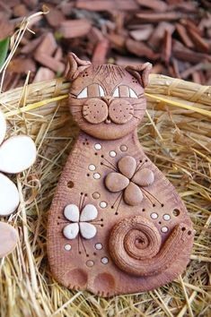 Fun cat made from clay Polymer Clay Cat, Polymer Clay Animals, Polymer Clay Projects, Pottery Animals, Ceramic Animals, Ceramic Clay, Ceramic Pottery, Pottery Kiln, Clay Cats