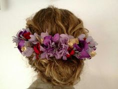 Tocados «Made in Spain Hat Hairstyles, Wedding Hairstyles, Hair Wreaths, Bridal Crown, Fascinator Hats, Hair Ornaments, Bridal Accessories, Dyed Hair, Hair Pins