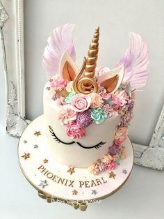 Love the colors - Birthday Cupcake Ideen Unicorn Themed Birthday Party, Birthday Cake Girls, Unicorn Birthday Cakes, Unicorn Party, Beautiful Cakes, Amazing Cakes, Gateau Harry Potter, Creative Birthday Cakes, Cute Desserts