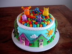 Bolo Backyardigans! (Backyardigans cake!) by Carla Ikeda - DENTRO DO FORNO - BOLOS DECORADOS - , via Flickr