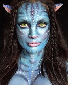 I thought this Avatar makeup was very cool and seemed very accurate compared to the movie. Deer Makeup, Face Paint Makeup, Makeup Art, Avatar Halloween, Avatar Makeup, Disney Makeup, Disney Character Makeup, Disney Costume Makeup, Make Carnaval