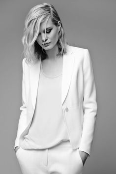 Cheap tuxedo halter, Buy Quality suit boy directly from China suits vintage Suppliers: Custom Made White Women Tuxedos Notched Lapel Suits For Women One Button Business Women Suits Uk Fashion, White Fashion, Fashion Trends, Office Fashion, Blazer Fashion, College Fashion, Curvy Fashion, Timeless Fashion, Fashion Boots