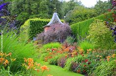 The Galloping Gardener: Hidcote Manor - Paradise Lost and Found