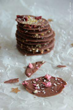 day17055 Waiting for Christmas : day 18 Pétales de chocolat façon mendiants