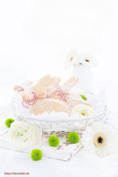 Ostern Rezepte, Kuchen Rezepte: Leckere Osterhasen aus Quark-Öl-Teig backen mit diesem Rezept von herzelieb. Einfach, leicht und supergut! #backen #kuchen #quark #rezept #foodblog