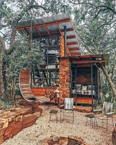 Tiny House Cabin, Tiny House Living, Cabin Homes, Tiny Cabins, Container House Design, Tiny House Design, Cabins In The Woods, House In The Woods, Little Houses