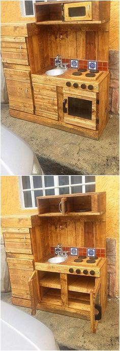 Grab this image and have a look at the awesome outdoor kitchen design with the involvement of the cabinet right into it. You can uniquely taste it out to be so classy and old fashioned looking in the home decoration of kitchen impact. It has the shelves and drawers plus cabinets.