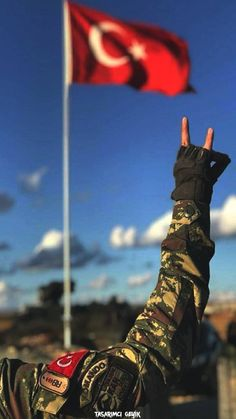 Turkish Army wallpaper by TasarimciGeyik - - Free on ZEDGE™ Army Wallpaper, Pink Wallpaper Iphone, Girl Wallpaper, Galaxy Wallpaper, Wallpaper Wallpapers, Turkish Soldiers, Turkish Army, Ottoman Turks, Indian Photoshoot