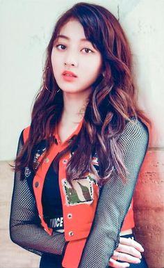 Kpop Girl Groups, Korean Girl Groups, Kpop Girls, Nayeon, Park Ji Soo, Fashion Beauty, Girl Fashion, Bts Girl, Jihyo Twice