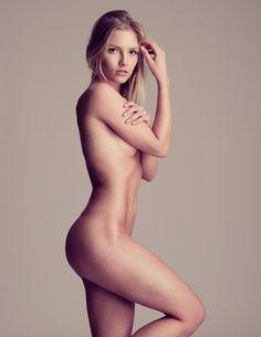 Caroline Kristiansen Nude / Starlet