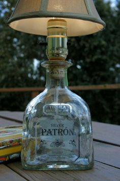 DIY Patron Tequila Bottle Lamp, but with a wine bottle. Patron Bottle Crafts, Wine Bottle Crafts, Bottle Art, Bottle Lamps, Diy Bottle, Patron Bottles, Patron Liquor, Liquor Bottle Lights, Empty Glass Bottles