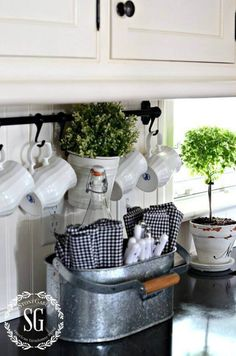 38 Best Farmhouse Kitchen Decor and Design Ideas to Fuel your Remodel