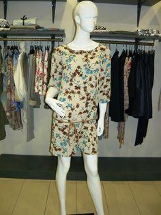 la guerra è orribile e imponente .... nuovi arrivi maglia abito fantasia €57 .... #spring #summer #collection 2015 .... #swagstoretimodellalavita #swagstore #swag .. #love #fashion and #selfie .... #sandonadipiave #jesolo #caorle #cavallino #mestre #venezia #treviso