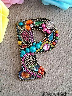 LujzaMarko / P ako Paulína wonderful artist from my home country - Slovakia! Bead Embroidery Jewelry, Beaded Embroidery, Hand Embroidery, Zipper Jewelry, Beaded Jewelry, Jewellery, Pearl Jewelry, Brooches Handmade, Handmade Jewelry