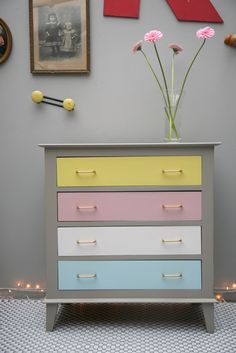 Perfect for a future nursery right? Paint Furniture, Furniture Projects, Furniture Makeover, Teen Room Decor, Bedroom Decor, Deco Kids, Colourful Living Room, Recycled Furniture, Furniture Restoration