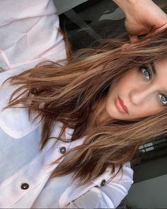 Crush Crush, Service Secret, Spanish Actress, Instagram Pose, Aesthetic Hair, Belleza Natural, Celebs, Celebrities, Look Fashion