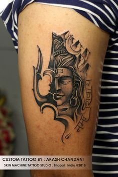 Custom Lord Shiva Tattoo by : Akash Chandani Thanks for looking Email for appointments Here we have nice picture about body tattoo mahakal. Kali Tattoo, Shiva Tattoo Design, Om Trishul Tattoo, Religious Tattoos For Men, Tattoo Collection, Hindu Tattoos, Wrist Tattoos For Guys, Ribbon Tattoos, Body Art Tattoos