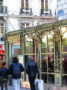 Ladurée, 75 Avenue des Champs Élysées, Paris VIII
