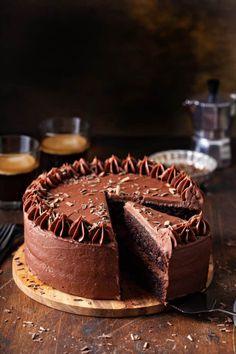 Amazing Chocolate Cake Recipe, Tasty Chocolate Cake, Best Chocolate, Chocolate Recipes, Chocolate Frosting, Chocolate Dreams, Chocolate Lovers, Delicious Desserts, Dessert Recipes