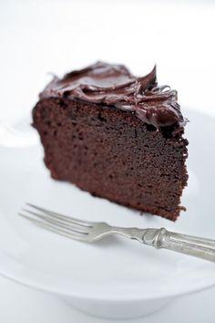 Paleo Naked-Chocolate-Cake
