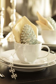 A wintery place setting.