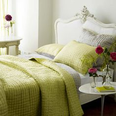 Chenevard Silver & Willow Quilt - Pure Silk | Designers Guild UK #lifeinstyle #greenwithenvy
