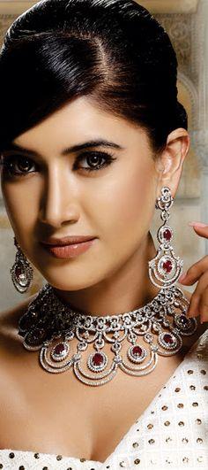 """Wonderful bridal jewellery from Khurana Jewellers"" (quote) via http://clothingandjewellery.blogspot.ca/"