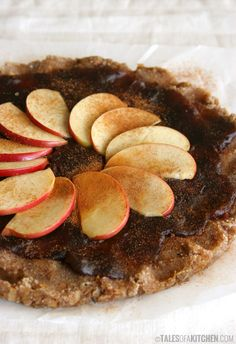 Healthy and delicious apple caramel nut tart. No fuss, no special machinery & no additional sweeteners but fruits. {Raw. Vegan}