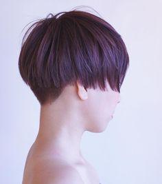 リアル ワカメカット✂️ やっぱりこれ好き サイドと襟足は潔く刈り上げ #刈り上げ女子#ショートヘア #ボブ#bob #ショートボブ#ツーブロック#グラデーション #haircut#hairstyle #cut #short#hairmake #撮影 #photo #ワカメちゃんカット #color#purple#myfavoritecolor #tokyo →#iwate #nishikasai →#hanamaki @air_hairmake →#佐々木美容院 #田舎 #美容師 #japan #東北