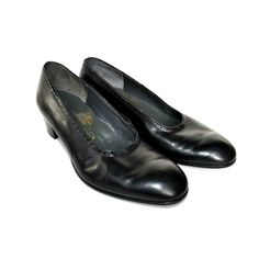 1960s John Lobb black leather low heel shoes by CrystalBallVintage
