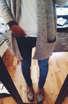 Gray cardigan, tee, jeans, and sparkly shoes
