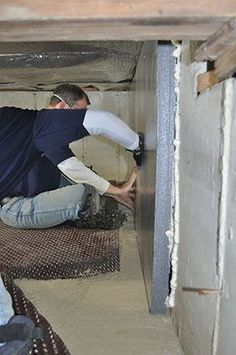 The Old Way To Build A Crawl E Involved Vented Walls And Fibergl Batt Insulation