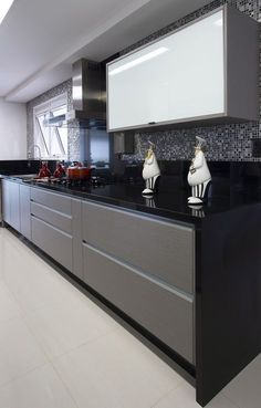 10 Inspiring Modern Kitchen Designs – My Life Spot Kitchen Room Design, Kitchen Cabinet Design, Modern Kitchen Design, Kitchen Colors, Home Decor Kitchen, Kitchen Interior, Interior Design Institute, New Interior Design, Classic Kitchen