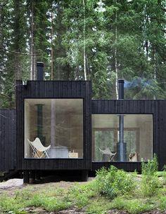 Modern Fins vakantiehuis in het bos.