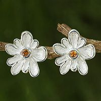 Daisy Impressions from @NOVICA, They help #artisans succeed worldwide.
