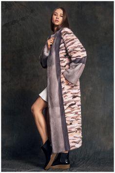 Шуба из меха норки модель 5123 в магазине Меха Екатерина. Продажа меховых изделий. Хранение, химчистка, подгонка и ремонт изделий. Адреса салонов.