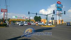 Alrededor de 40 camionetas de la SSP de Michoacán arribaron a la zona donde presuntos estudiantes de escuelas normales habían bloqueado la vialidad y los conminaron a que pacíficamente liberarán ...