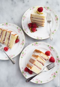 Coconut Raspberry Cake - The Little Epicurean