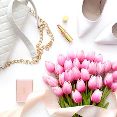Faux pink ombre tulips // Composition Lane