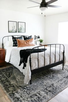 Black and White Bedroom Rug Elegant Black & White Boho Inspired Bedroom Makeover Black And Cream Bedroom, Black White Bedrooms, Black White Bedding, Black And Grey Rugs, Black And White Interior, Stylish Bedroom, Cozy Bedroom, Modern Bedroom, Master Bedroom
