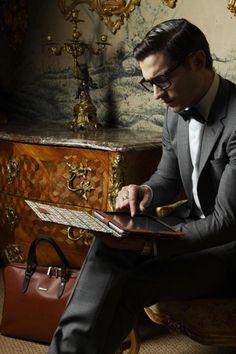 Clark Kent gets an iPad.