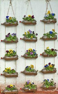80 Awesome Spring Garden Ideas for Front Yard and Backyard garden Garden Crafts, Garden Projects, Garden Art, Garden Deco, Outdoor Projects, Vertical Garden Design, Vertical Gardens, Vertical Planting, Garden Planters