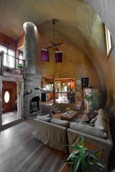 interior of a two- story monolithic dome home Monolithic Dome Homes, Geodesic Dome Homes, Room Interior Design, Living Room Interior, Cob House Interior, Earth Bag Homes, Earthship Home, Earthship Plans, Dome House
